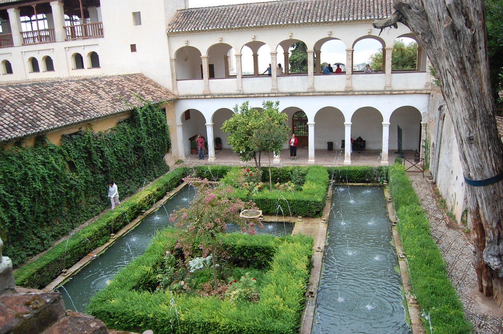 Alhambra Generalife Gardens at Granada -- Low Bandwidth Edition